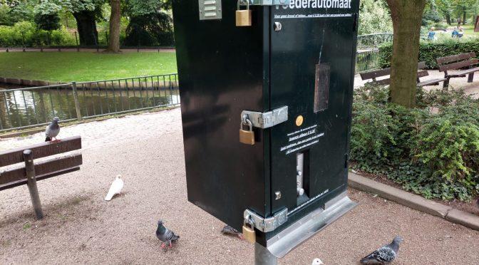 Voederautomaat terug, met extra sloten